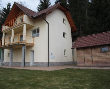 Real estate in Slovenia for sale a quality built and furnished house AMBROŽ POD KRVAVCEM